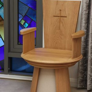 Presiders chair solid wood with arms and stone effect cross engraving (2)