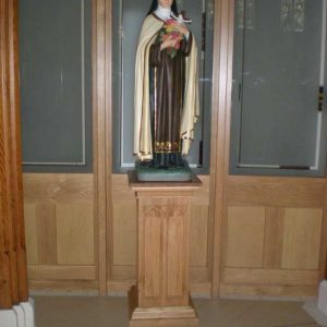 Statue stand bespoke the virgin Mary engravings elegant (2)