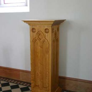 Statue stand engravings bespoke wood craft woodwork