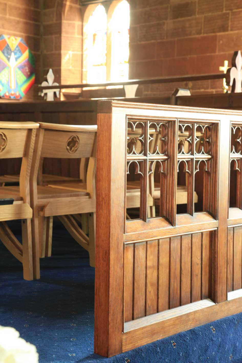 Architectural Joinery Screens Detailed Engraving Polished Finish Bespoke Mid  Range