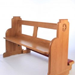 Traditional bench pew front view bespoke side engravings durable kneeler (4)