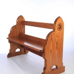 Traditional bench pew front view bespoke side engravings durable kneeler (2)